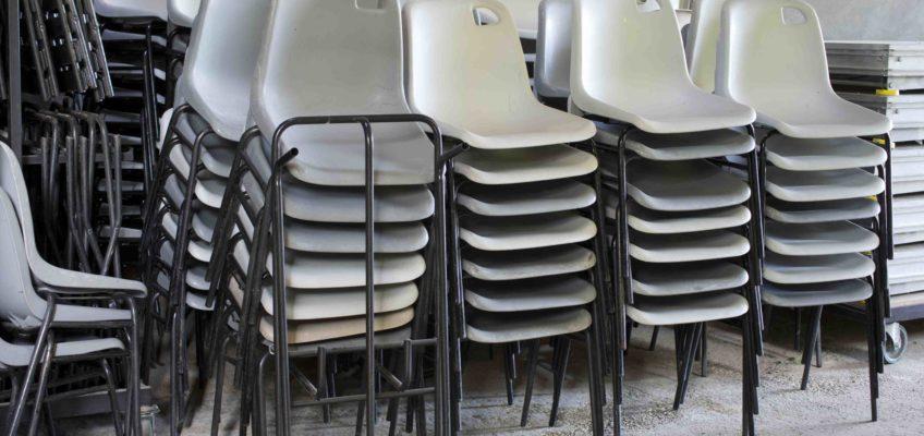 Chaises coques plastiques